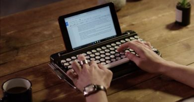A Wireless Penna Retro Bluetooth keyboard